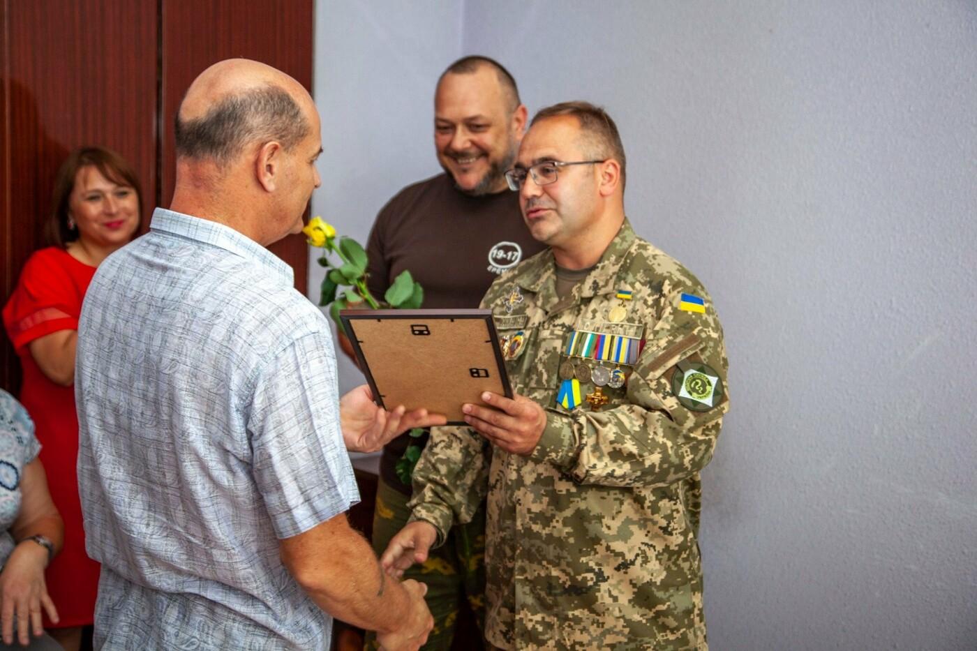 """Бойцы батальона """"Кривбасс"""" встретились с медиками накануне профессионального праздника, - ФОТО, ВИДЕО , фото-6"""