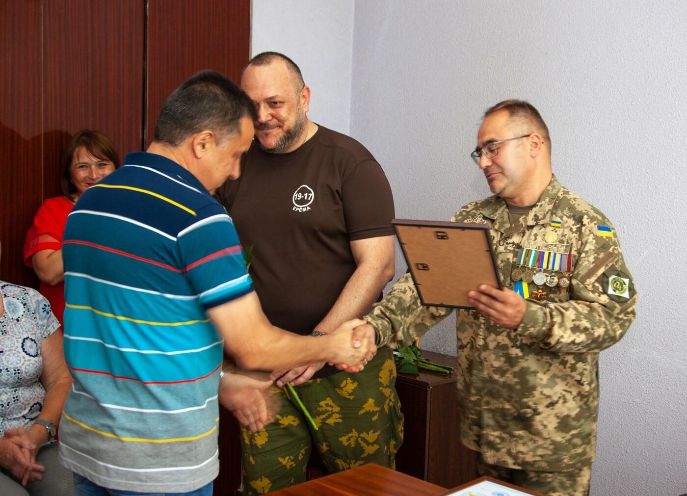 """Бойцы батальона """"Кривбасс"""" встретились с медиками накануне профессионального праздника, - ФОТО, ВИДЕО , фото-4"""