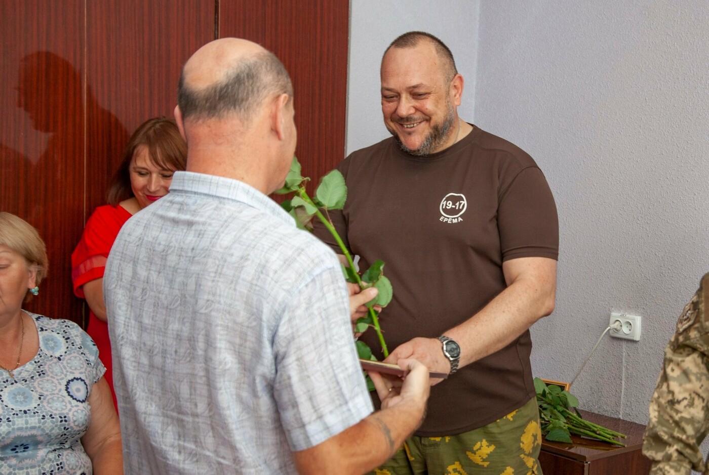 """Бойцы батальона """"Кривбасс"""" встретились с медиками накануне профессионального праздника, - ФОТО, ВИДЕО , фото-7"""