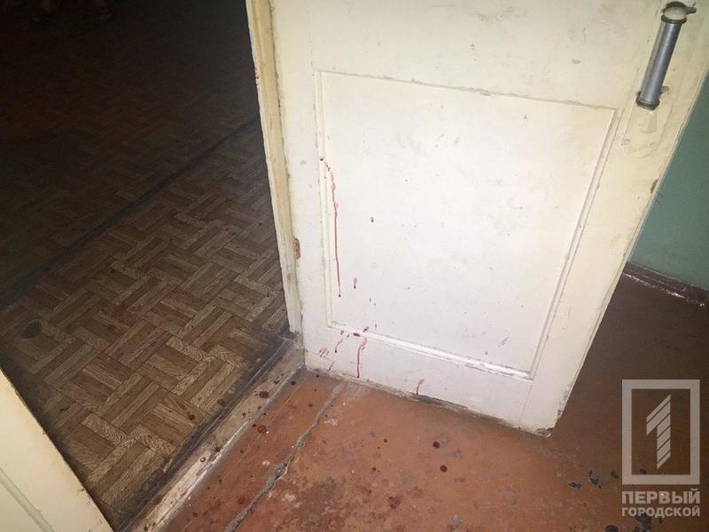 Криворожанин, вступившийся за соседку, получил ножевые ранения, - ФОТО 18+, фото-4