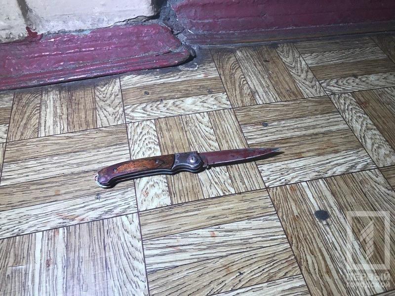 Криворожанин, вступившийся за соседку, получил ножевые ранения, - ФОТО 18+, фото-3