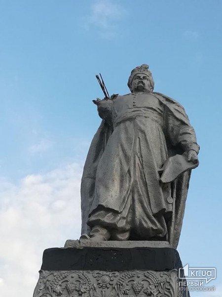 В Кривом Роге пострадала правая рука гетьмана, - ФОТО, фото-2