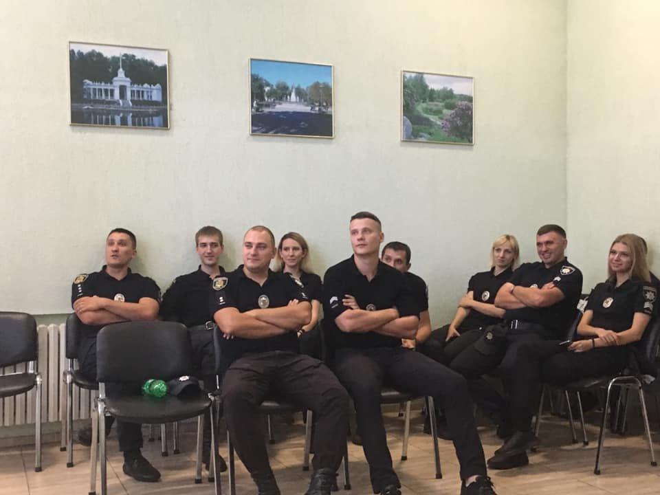 С криворожскими патрульными обсудили безопасное поведение при задержании, - ФОТО , фото-2