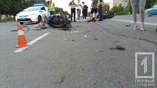 В Кривом Роге столкнулись мотоциклисты: 3 человека пострадали в результате ДТП, - ФОТО , фото-1