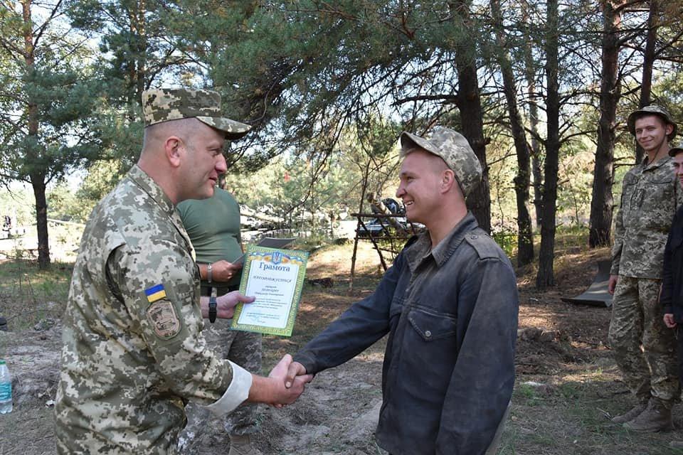 День бригады криворожские танкисты отметили победой в конкурсе на лучший танковый взвод ВСУ, - ФОТО, фото-5