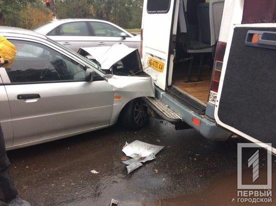 В Кривом Роге в маршрутку с пассажирами врезалась иномарка, - ФОТО, фото-2