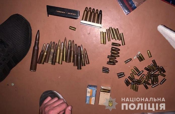 Дома у криворожанина во время обыска нашли арсенал оружия, - ФОТО, фото-1