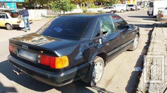 ДТП в Кривом Роге: при столкновении с Audi  мотоциклист головой пробил стекло , фото-3