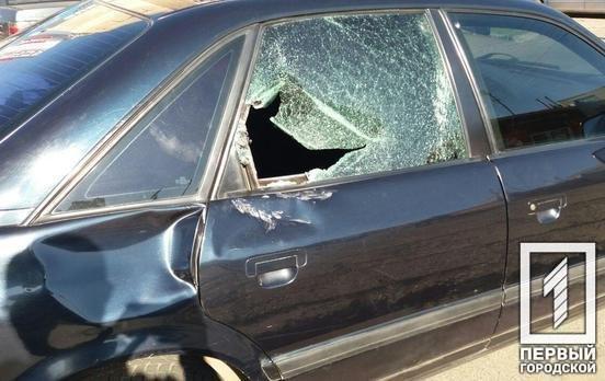 ДТП в Кривом Роге: при столкновении с Audi  мотоциклист головой пробил стекло , фото-1