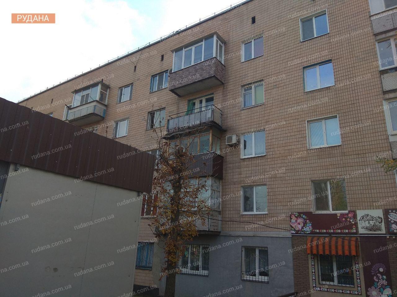 В Кривом Роге обнаженный мужчина выпал из окна, - ФОТО 18+, фото-3