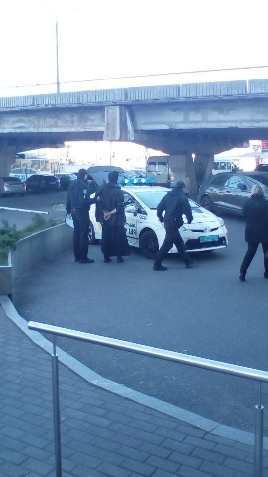 """В Днепре полиция задержала служителя церкви с """"колорадской"""" лентой, - ФОТО, ВИДЕО, фото-2"""
