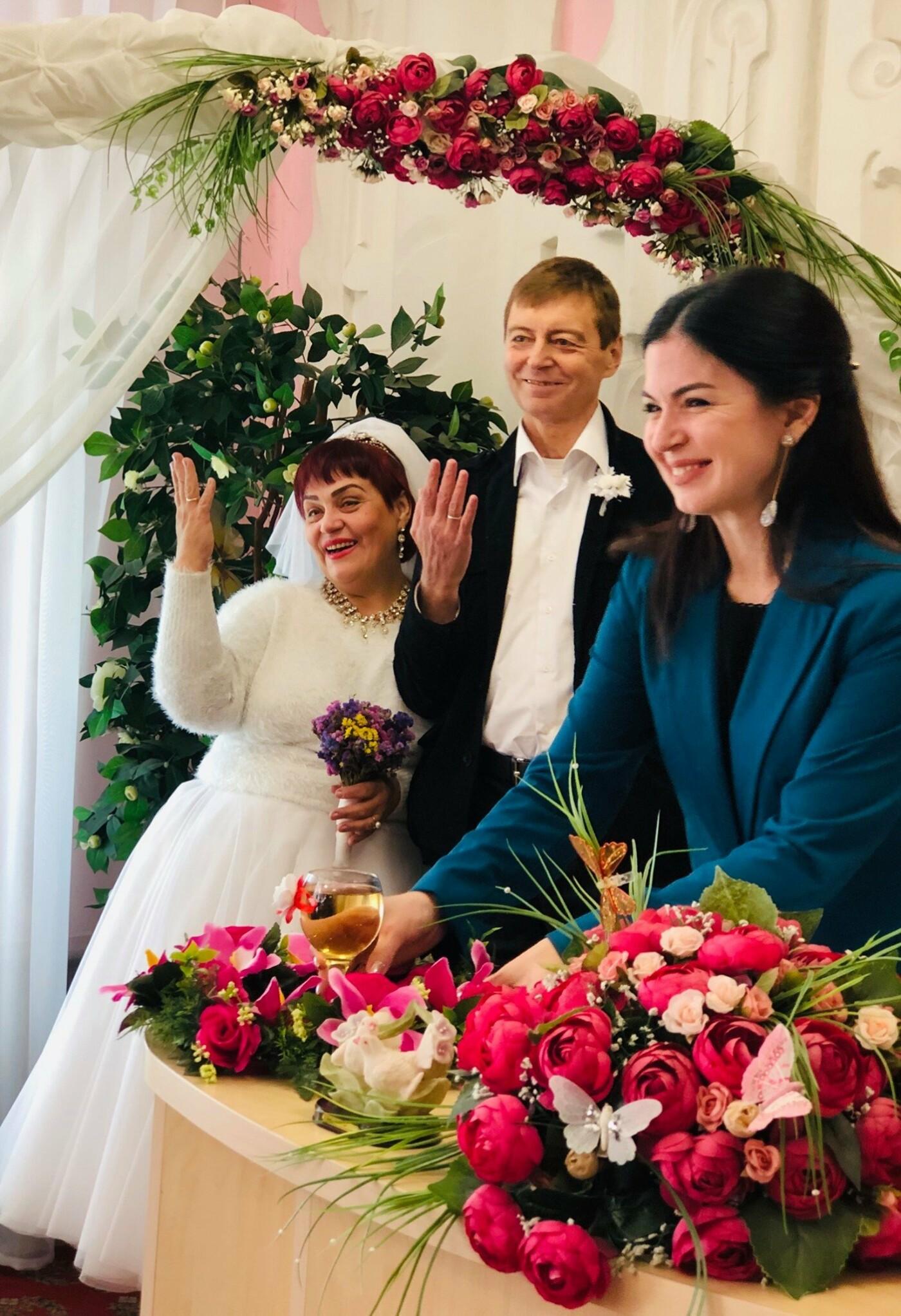 Невероятная love story в Кривом Роге: влюбленные, которых в юности пытались разлучить, сыграли свадьбу 40 лет спустя, - ФОТО, фото-1