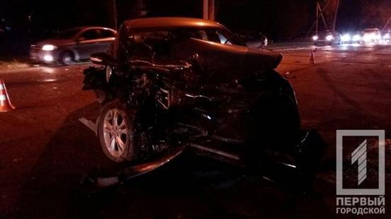 ДТП в Кривом Роге: при столкновении Hyundai и Volkswagen травмированы три человека, фото-1