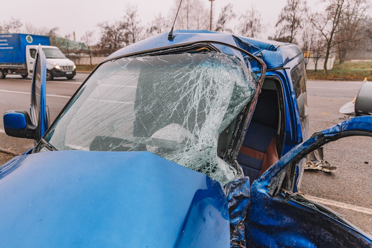 На Криворожской трассе тройное ДТП: спасатели вырезали из машин пострадавших, - ФОТО , фото-5