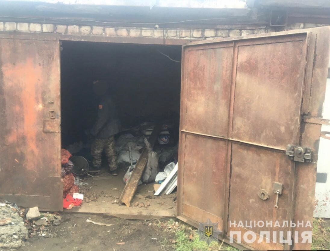 Из гаража криворожанина полиция вывезла 1,6 тонны металлолома,  -ФОТО, фото-2