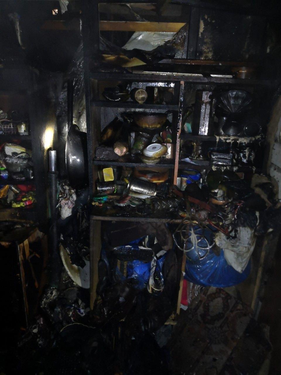 В Кривом Роге вечером 2 января полностью сгорела пристройка к дому, - ФОТО, фото-4