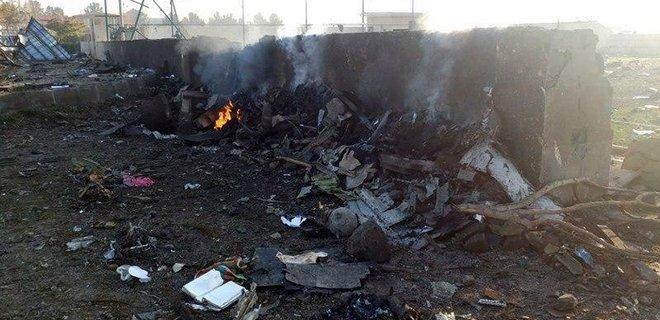 В Тегеране потерпел крушение украинский авиалайнер с 168 людьми на борту, - ФОТО, ВИДЕО, фото-5