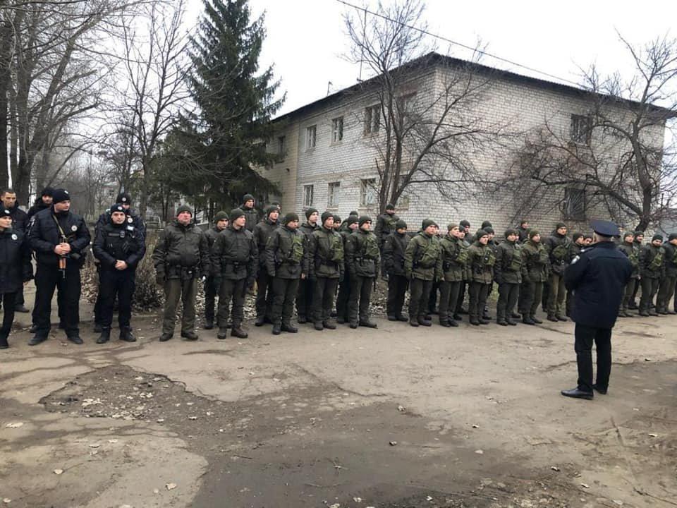 Более 70 военнослужащих и полицейских вышли в Кривом Роге на патрулирование, - ФОТО , фото-3