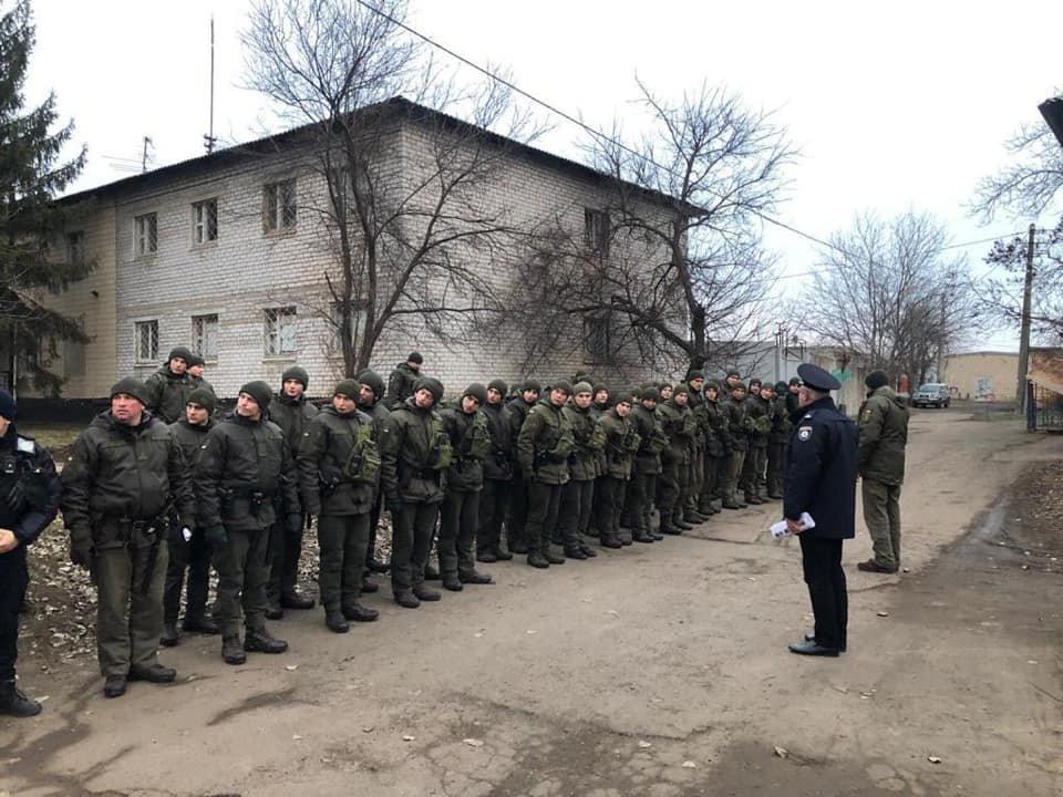 Более 70 военнослужащих и полицейских вышли в Кривом Роге на патрулирование, - ФОТО , фото-1