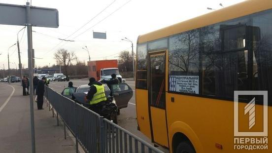 На светофоре в Кривом Роге произошло тройное ДТП, - ФОТО, фото-2