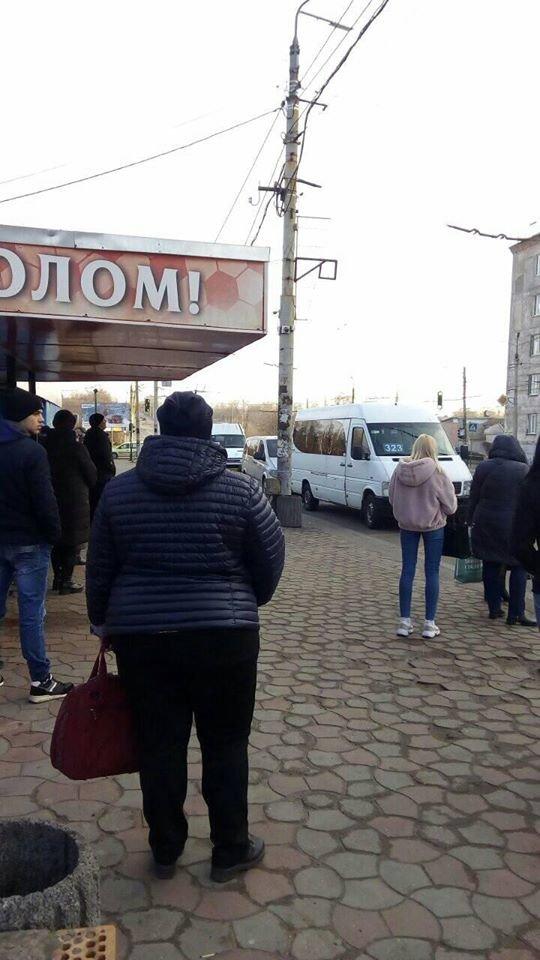"""Бунт маршрутчиков"": сотни криворожан с трудом добирались на работу, - ФОТО , фото-3"