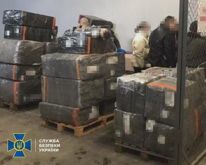 На Днепропетровщине СБУ заблокировала ввоз в Украину импортных товаров без уплаты таможенных платежей, - ФОТО, фото-1