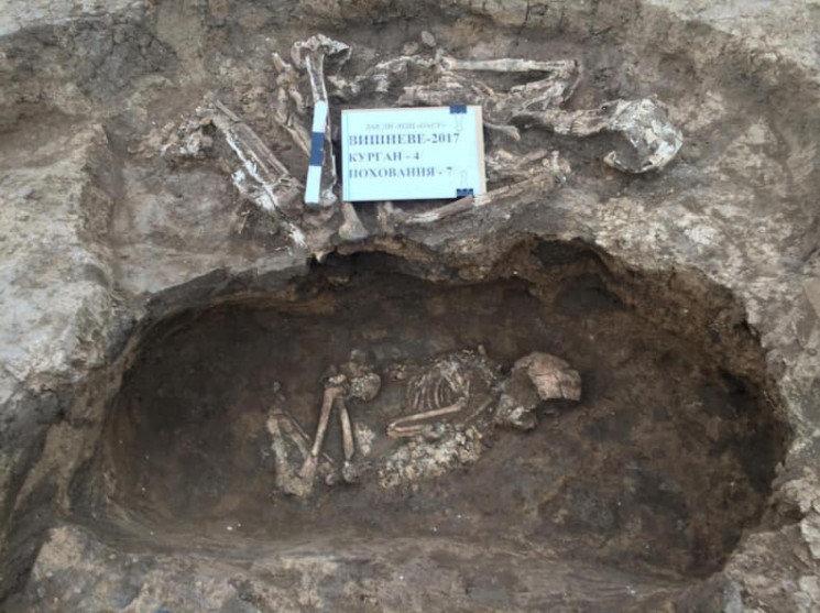По соседству с Кривым Рогом археологи нашли древние захоронения, - ФОТО, фото-1