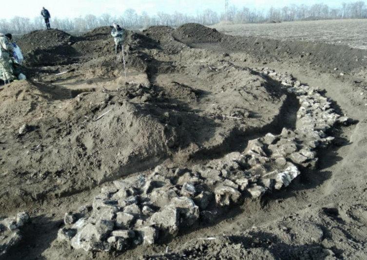 По соседству с Кривым Рогом археологи нашли древние захоронения, - ФОТО, фото-3