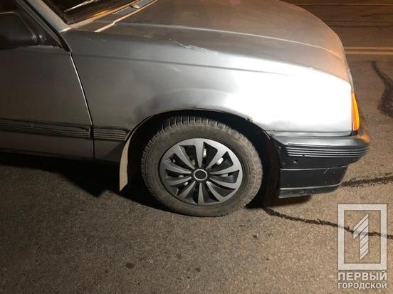 На спуске со Смычки Opel сбил  пожилую криворожанку, толкавшую коляску по проезжей части, фото-2