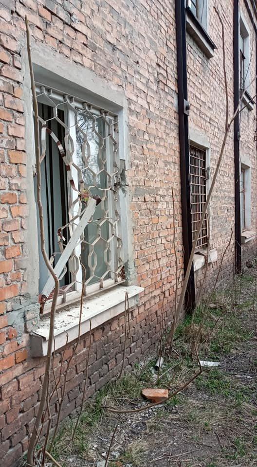 """""""Полиция искать не будет"""": третий раз неизвестные взломали помещение криворожских волонтеров, - ФОТО, фото-1"""