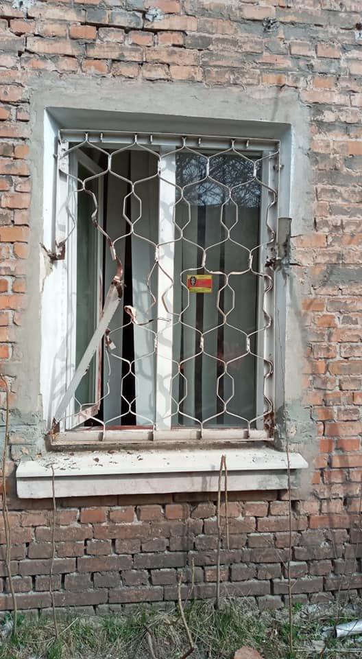 """""""Полиция искать не будет"""": третий раз неизвестные взломали помещение криворожских волонтеров, - ФОТО, фото-2"""