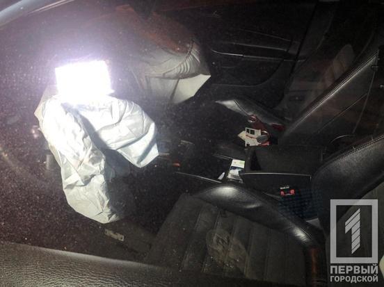 В Кривом Роге иномарка врезалась в дерево, водитель госпитализирован с серьезной травмой, - ФОТО, фото-3