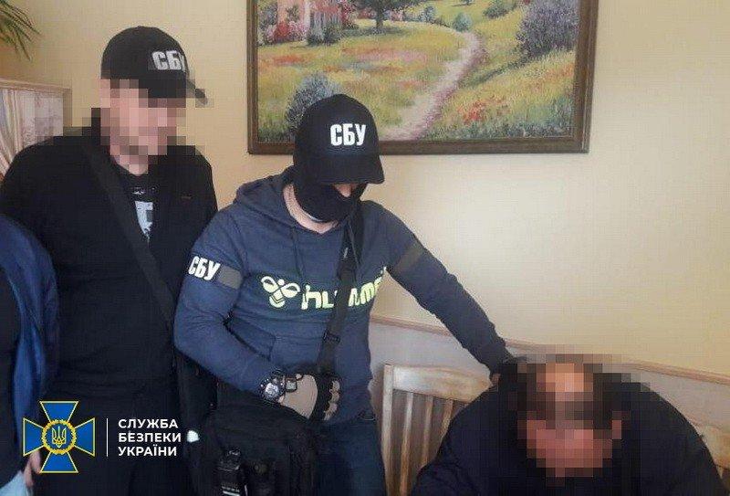 Членам ОПГ, которые представлялись сотрудниками СБУ и вымогали с бизнесменов деньги, грозит до 7 лет тюрьмы, - ФОТО , фото-4