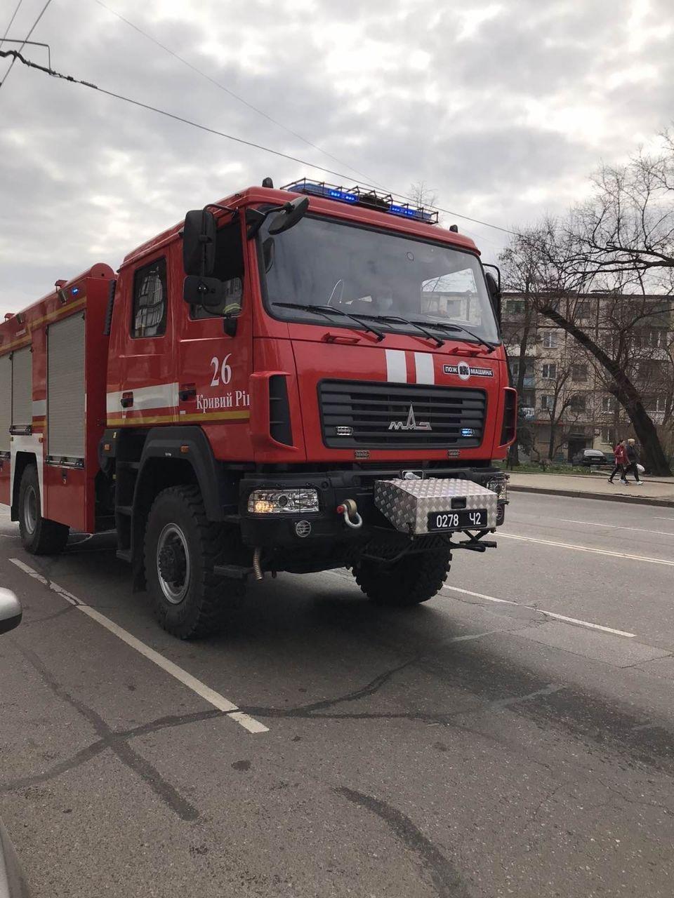 В Кривом Роге спасатели на спецавтомобилях с громкоговорителями информируют горожан о безопасности, - ФОТО, фото-1