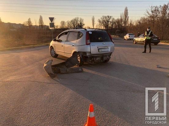 В двойном ДТП в Кривом Роге пострадал один из водителей, - ФОТО, фото-4