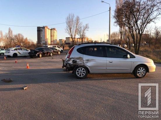 В двойном ДТП в Кривом Роге пострадал один из водителей, - ФОТО, фото-3