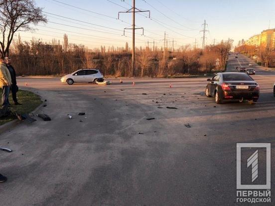 В двойном ДТП в Кривом Роге пострадал один из водителей, - ФОТО, фото-2
