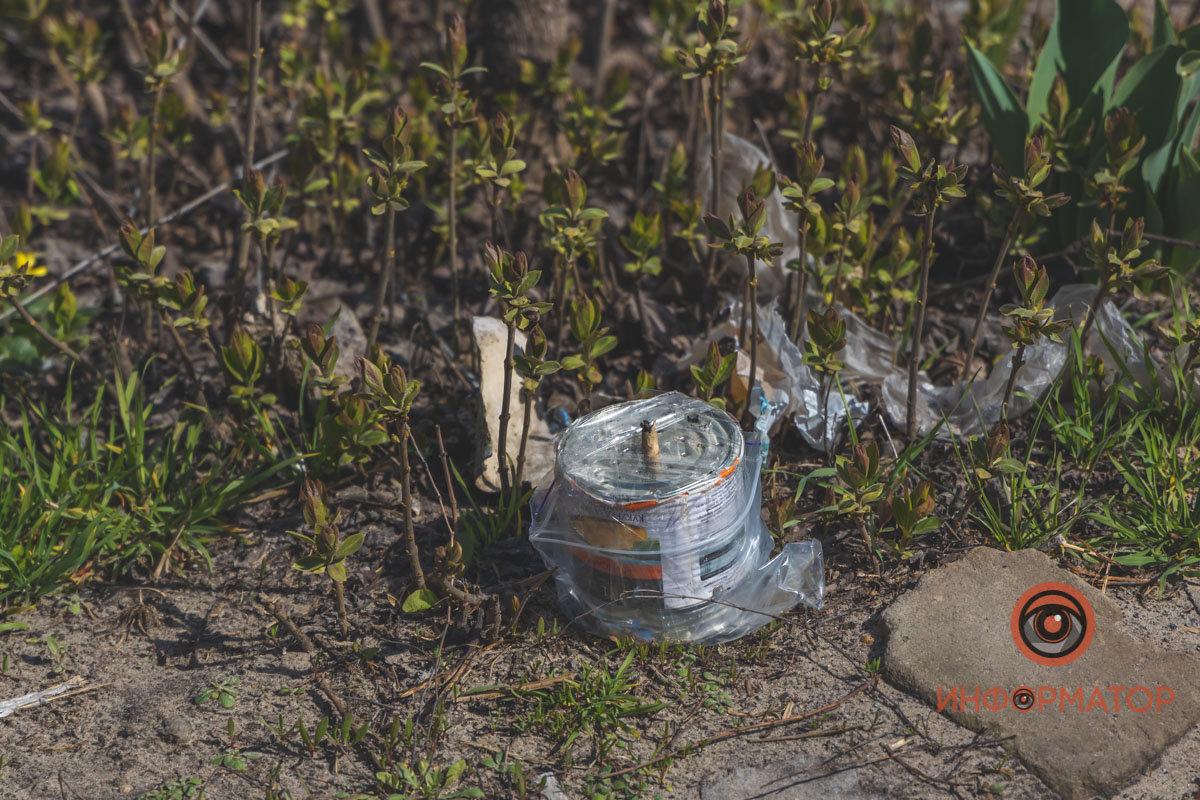 Активист обнаружил на заборе своего дома предмет, похожий на самодельную взрывчатку, - ФОТО , фото-7