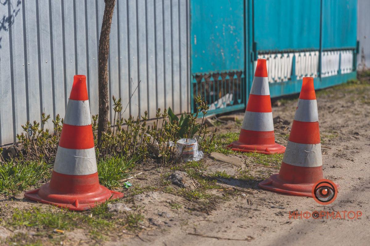 Активист обнаружил на заборе своего дома предмет, похожий на самодельную взрывчатку, - ФОТО , фото-6