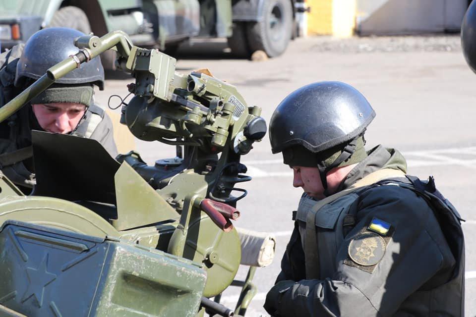 В Кривом Роге продолжается профессиональная подготовка стрелков-зенитчиков, - ФОТО, фото-2