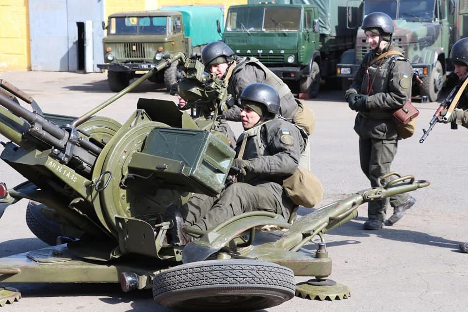 В Кривом Роге продолжается профессиональная подготовка стрелков-зенитчиков, - ФОТО, фото-5