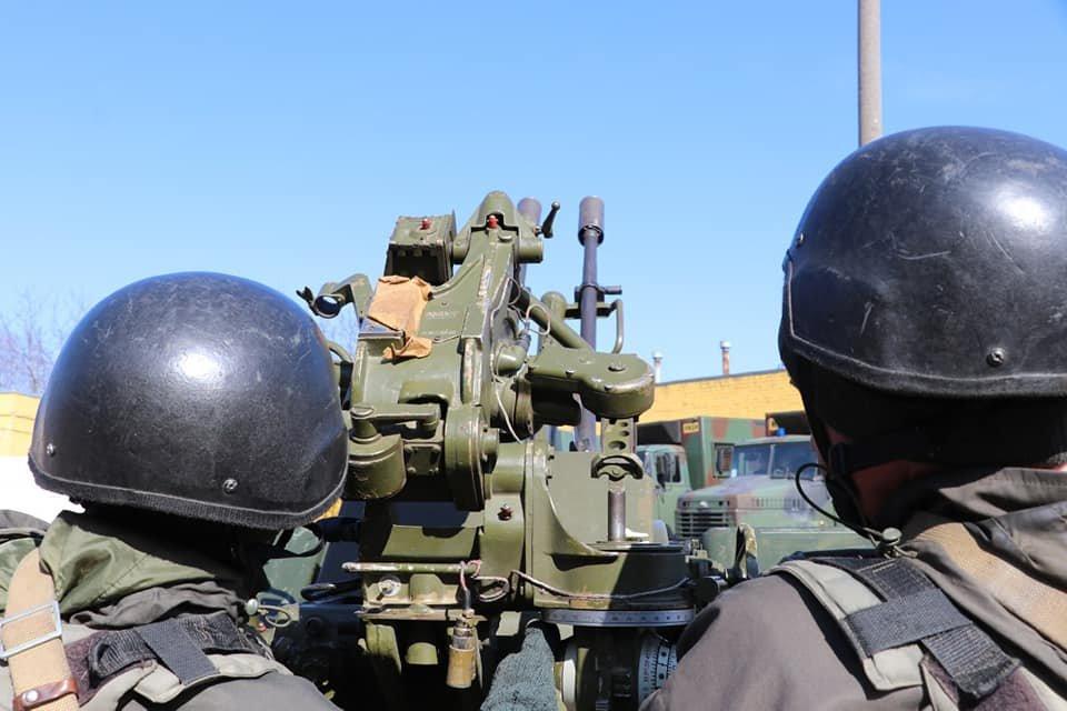 В Кривом Роге продолжается профессиональная подготовка стрелков-зенитчиков, - ФОТО, фото-3