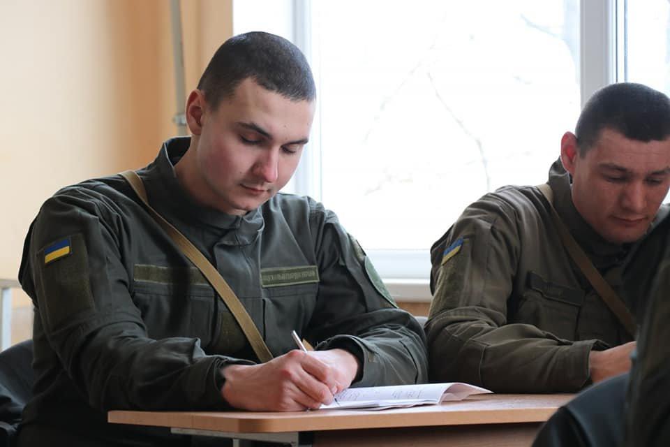В Кривом Роге продолжается профессиональная подготовка стрелков-зенитчиков, - ФОТО, фото-9