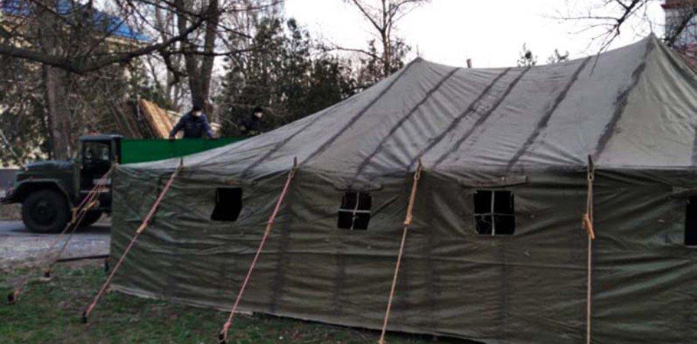 В Кривом Роге развернули палатку для приема пациентов с коронавирусом, - ФОТО, фото-1