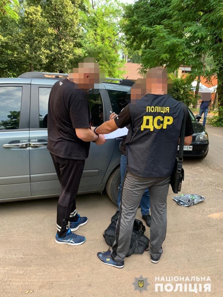 Полицейские Львовщины задержали в Кривом Роге мужчину, подозреваемого в краже 6 миллионов, - ФОТО , фото-4