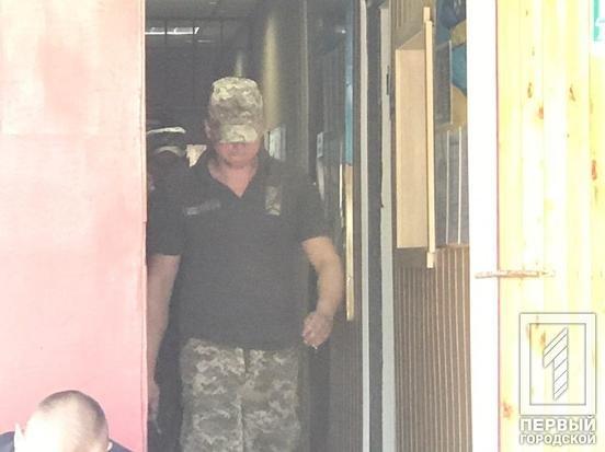 Под Кривым Рогом в здании территориального центра комплектации и соцпомощи нашли тело мужчины, - ФОТО , фото-4