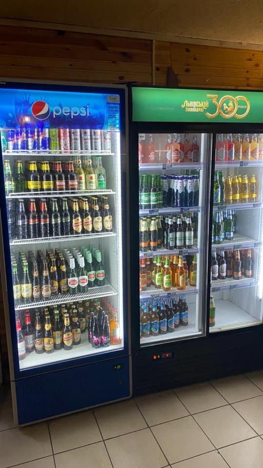 В криворожском кафе обнаружили торговлю алкоголем без лицензии. Изъяли сотни бутылок, - ФОТО, фото-2