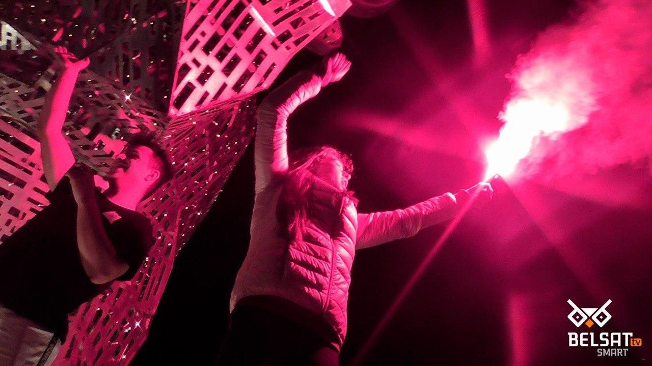 Водометы, газ, пули и первые смерти от рук ОМОНа: хронология протестов в Беларуси, - ФОТО, фото-3