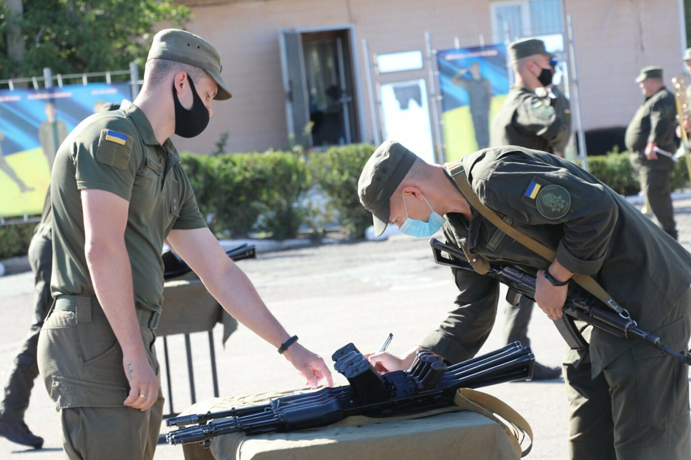 В Криворожской бригаде Нацгвардии новобранцы получили боевое оружие, - ФОТО, фото-5
