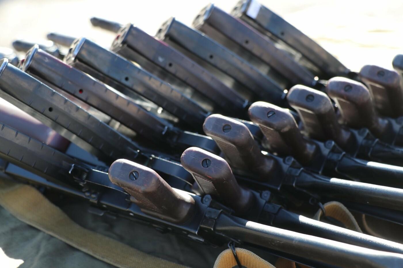 В Криворожской бригаде Нацгвардии новобранцы получили боевое оружие, - ФОТО, фото-11